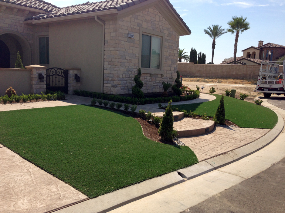 Fake grass quincy california gardeners front yard landscape ideas workwithnaturefo